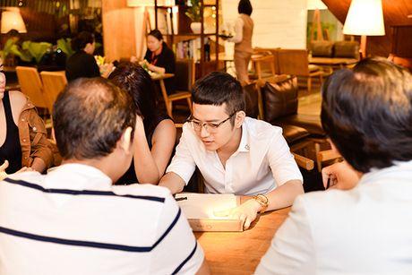 Diem mat nhung nhan vat dung sau show thoi trang hoanh trang cua Chung Thanh Phong - Anh 1