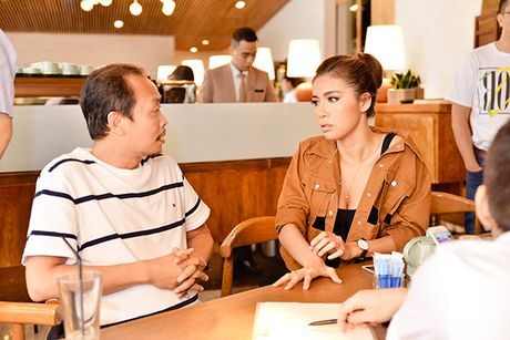 Diem mat nhung nhan vat dung sau show thoi trang hoanh trang cua Chung Thanh Phong - Anh 6