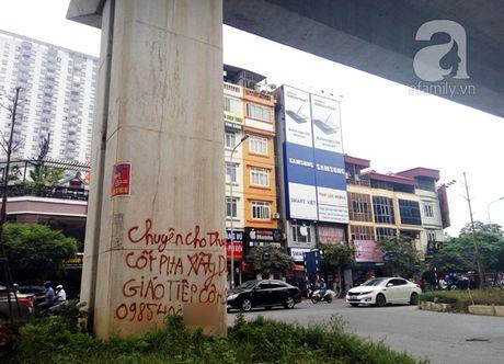 Chua di vao su dung, tru duong sat tren cao Ha Noi da tro nen nham nho xau xi the nay - Anh 7