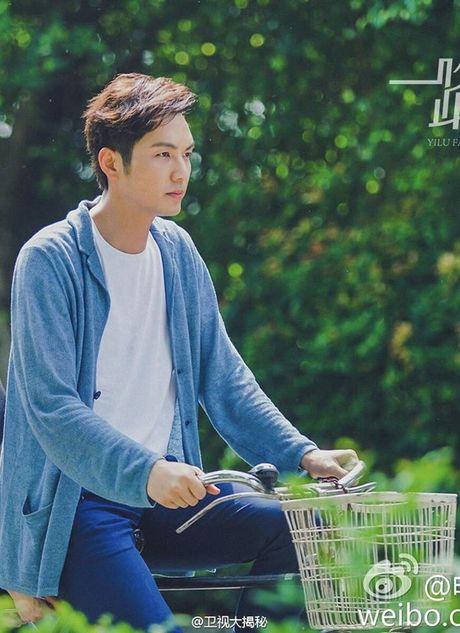 'Ong chu' Chung Han Luong lai don tim fan voi ve dien trai khong tuoi tac - Anh 2
