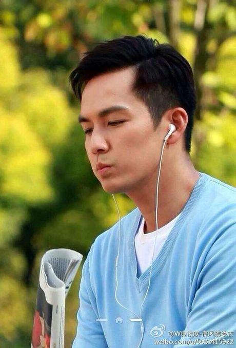 'Ong chu' Chung Han Luong lai don tim fan voi ve dien trai khong tuoi tac - Anh 4
