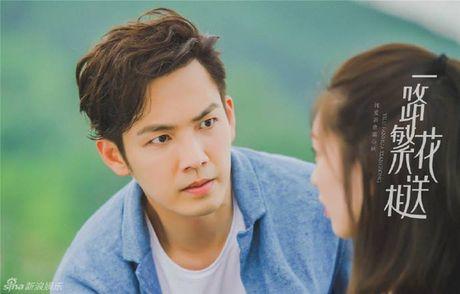 'Ong chu' Chung Han Luong lai don tim fan voi ve dien trai khong tuoi tac - Anh 5