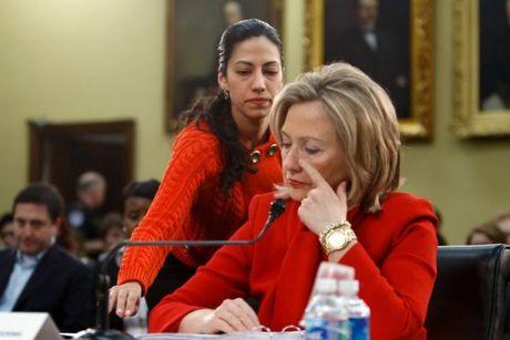 Phia sau thanh cong cua ba Clinton la bong dang mot nguoi phu nu quyen luc khong kem - Anh 2
