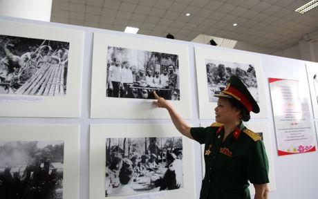 Khai mac Trien lam 'Duong Ho Chi Minh huyen thoai' tren dat Lao - Anh 3
