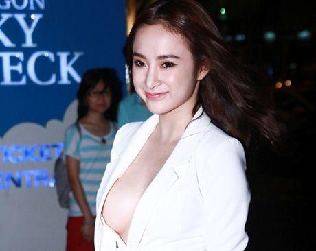 Dien mot khong noi y, Angela Phuong Trinh tha ho khoe 'sieu vong 1' - Anh 6
