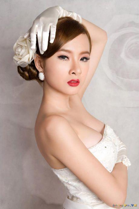Dien mot khong noi y, Angela Phuong Trinh tha ho khoe 'sieu vong 1' - Anh 7