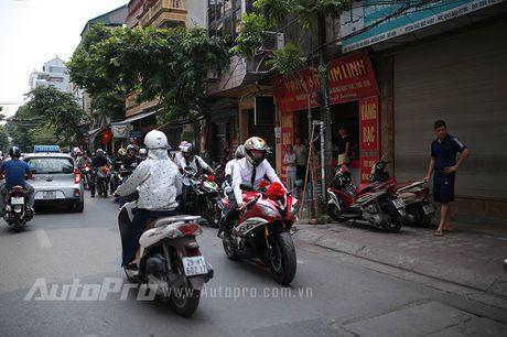 Cuc chat voi chu re biker don dau bang xe Suzuki Bandit 1200s - Anh 2