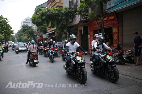Cuc chat voi chu re biker don dau bang xe Suzuki Bandit 1200s - Anh 7