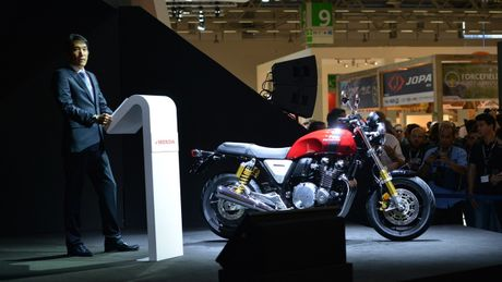 Honda CB1100 RS 2017 - Mo to dam chat co dien moi - Anh 2