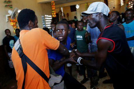 Xot xa canh ngo nguoi dan Haiti sau sieu bao Matthew - Anh 2