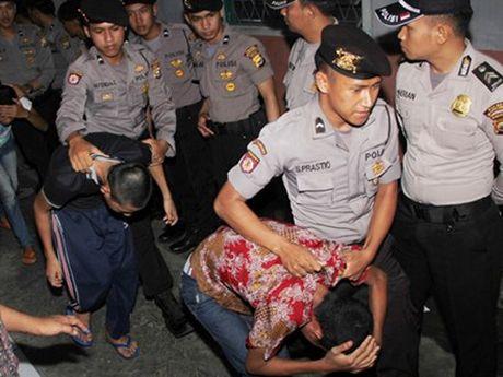 Indonesia thong qua luat hoan ke au dam - Anh 1