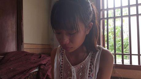 """Vu nu sinh cap 2 """"xu"""" ban bang bao luc: An han va khep minh - Anh 2"""