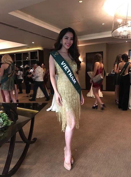 "Nhung hinh anh cuc ""nong"" cua Nguyen Thi Le Nam Em tai Hoa hau Trai dat 2016 - Anh 5"