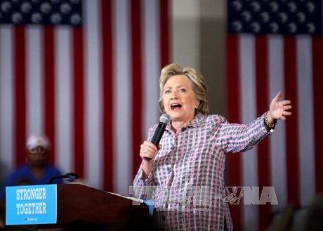"Ong Trump bi nhan xet ""tham te"", ba Clinton duoc ca ngoi het loi - Anh 1"