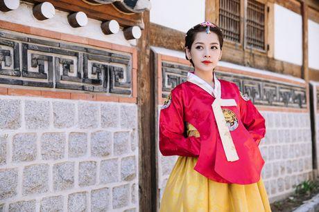 Chi Pu dien hanbok qua xinh dep so voi cac co gai Han Quoc - Anh 5