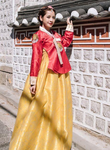 Chi Pu dien hanbok qua xinh dep so voi cac co gai Han Quoc - Anh 7