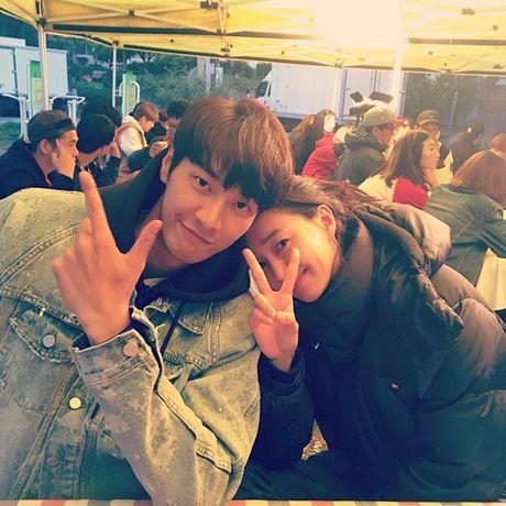 Sao Han 13/10: Jessica ngoi tao dang giua nang, dan sao 'Moon Lovers' tu hop - Anh 5