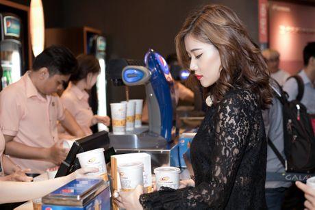 Tien Dat phu nhan hen ho, Milan Pham di xem phim mot minh - Anh 3