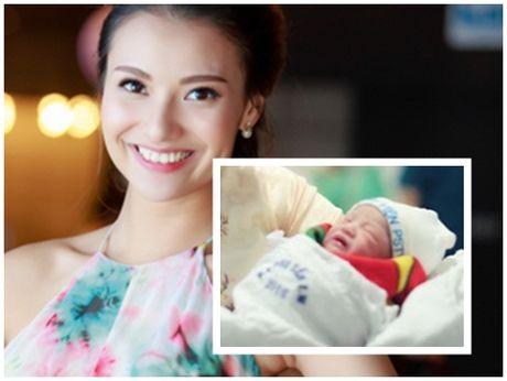 Hong Que, Elly Tran: 'Ba me don than' dinh dam cua showbiz - Anh 1