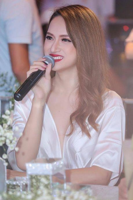 Huong Giang Idol: 'Toi dep nhat khi toi co nhieu tien' - Anh 2