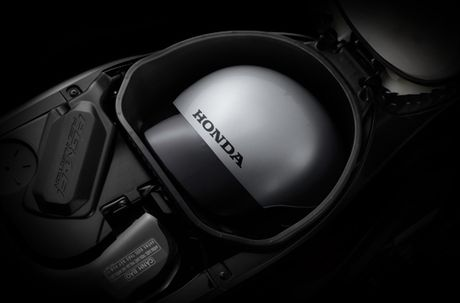 Phien ban Honda Wave 110 RSX moi voi mau son, tem xe noi bat - Anh 11