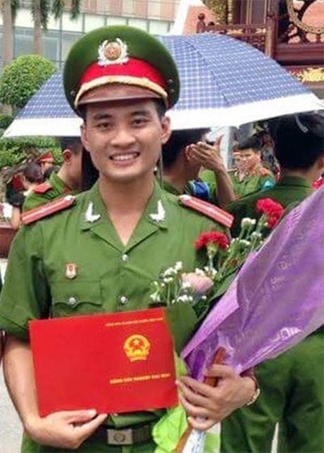 Xot xa gia canh Thieu uy Canh sat bi duoi nuoc - Anh 1