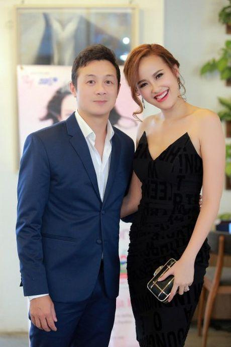 NTK Duc Hung khoe do 'banh trai' voi MC Anh Tuan - Anh 5