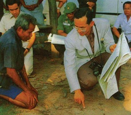 Vua Thai Lan - Vi quan vuong co quyen nang ky la - Anh 2