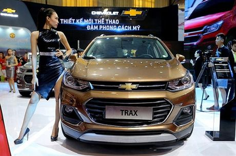 Chevrolet Trax 2017 gia 769 trieu dong - Anh 2