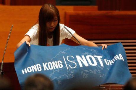 Nhieu tan nghi si Hong Kong len tieng ha nhuc chinh sach Mot Trung Hoa - Anh 1