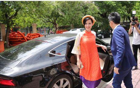Khoi tai san khung cua Dong Nhi va Ong Cao Thang khi ve mot nha - Anh 6