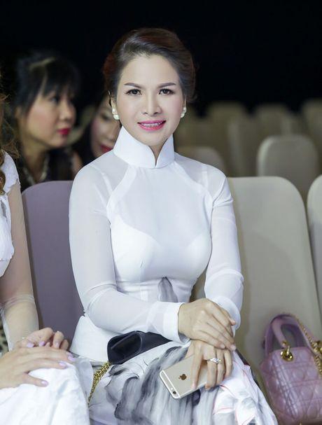 Hoa hau Thanh Thuy khien 'dan em' phat hon vi vong eo hoan hao - Anh 10
