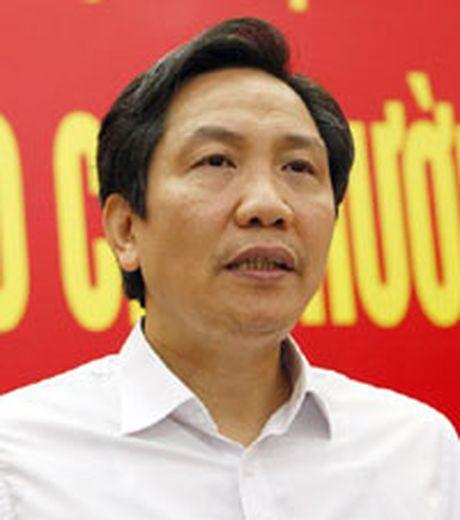 Dam bao cong chuc song duoc bang luong - Anh 1