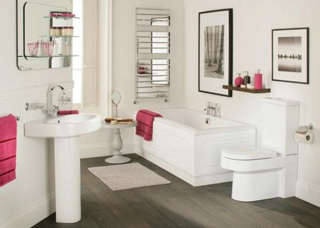 Phong thủy hóa giải thế 'phòng tắm ngắm phòng thờ'