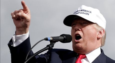 Hai phu nu to cao bi ong Trump sam so - Anh 1