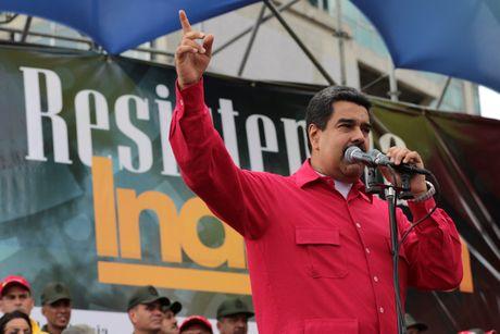 Tong thong Venezuela: Trump hay Clinton deu chang tot gi cho My Latin - Anh 1