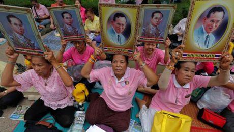 Quoc vuong Thai Lan Bhumibol Adulyadej tu tran - Anh 3