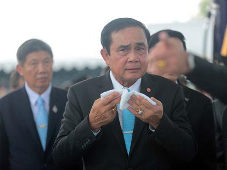 Quoc vuong Thai Lan Bhumibol Adulyadej tu tran - Anh 4
