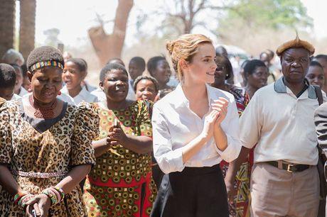 Giua showbiz thi phi, Emma Watson van dep nhu thien than tu ngoai hinh den nhan cach - Anh 12