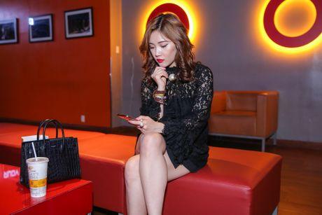 Milan Pham di xem phim mot minh sau nghi van yeu Tien Dat - Anh 2