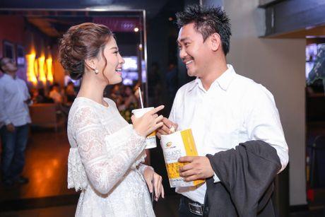 Milan Pham di xem phim mot minh sau nghi van yeu Tien Dat - Anh 5