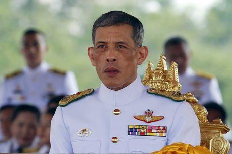 Quoc vuong bang ha, nguoi Thai khoc nhu mua - Anh 4