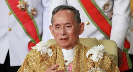 Vua Thai Lan qua doi, ai se la nguoi ke vi? - Anh 1