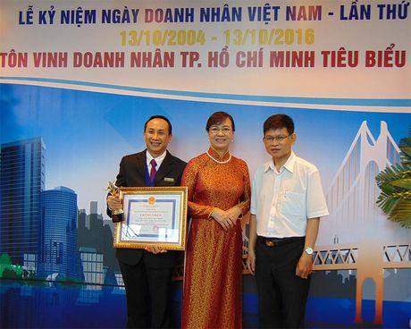 TP.HCM vinh danh 200 doanh nghiep, doanh nhan tieu bieu 2016 - Anh 3