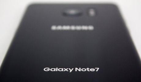 Galaxy Note7 xach tay co duoc hoan tien va nhan du uu dai nhu may chinh hang khong? - Anh 1