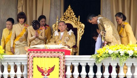 Cuoc doi Nha Vua Thai Lan Bhumibol Adulyadej qua anh - Anh 14