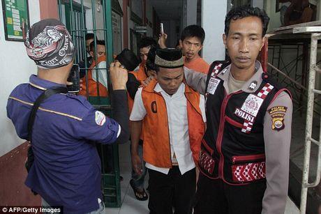 Nhung ke cuong hiep tre em o Indonesia co the bi thien hoa hoc - Anh 1
