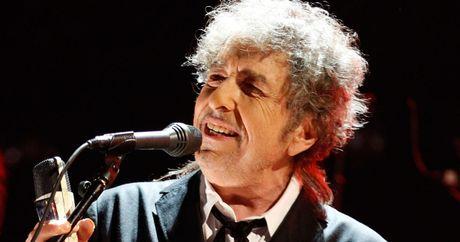 Nobel Van hoc 2016 vinh danh 'lang tu du ca' Bob Dylan - Anh 1