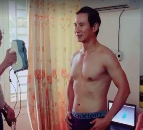 Ly Hai bat ngo coi do khoe body vam vo o tuoi 48 - Anh 2