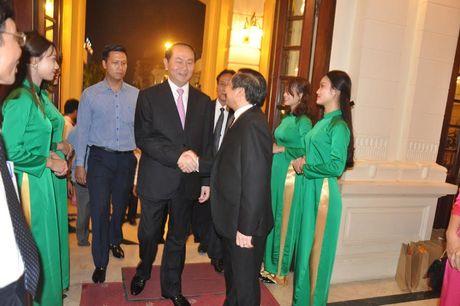 Chu tich nuoc du Chuong trinh Tu hao Nong dan Viet Nam 2016 - Anh 4